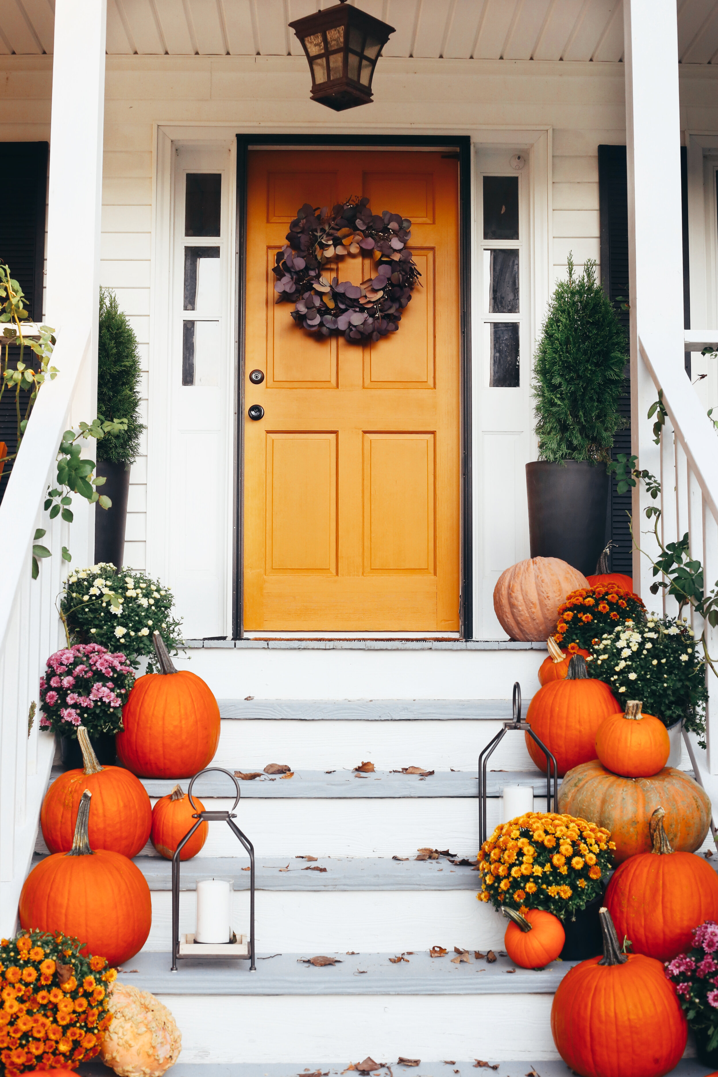 How to Easily Decorate you Front Porch for Fall