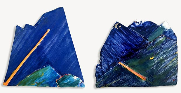 Mountain, 2017, stoneware, blue coloured slips, transparent glaze, (L. 17x23 cm, R. 15x15 cm), 2017