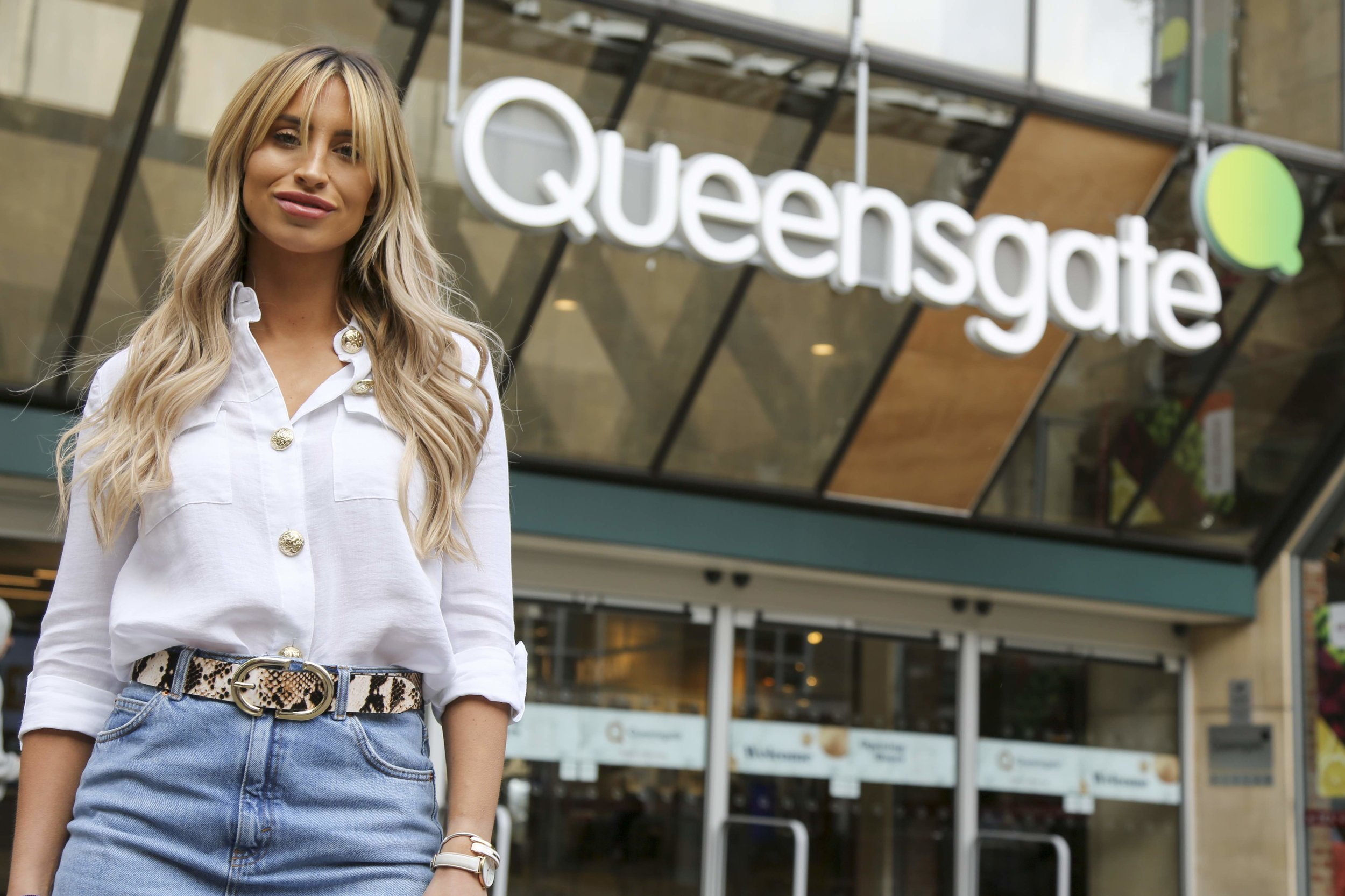 Queensgate_Ferne McCann_Summer In The City_2.jpg