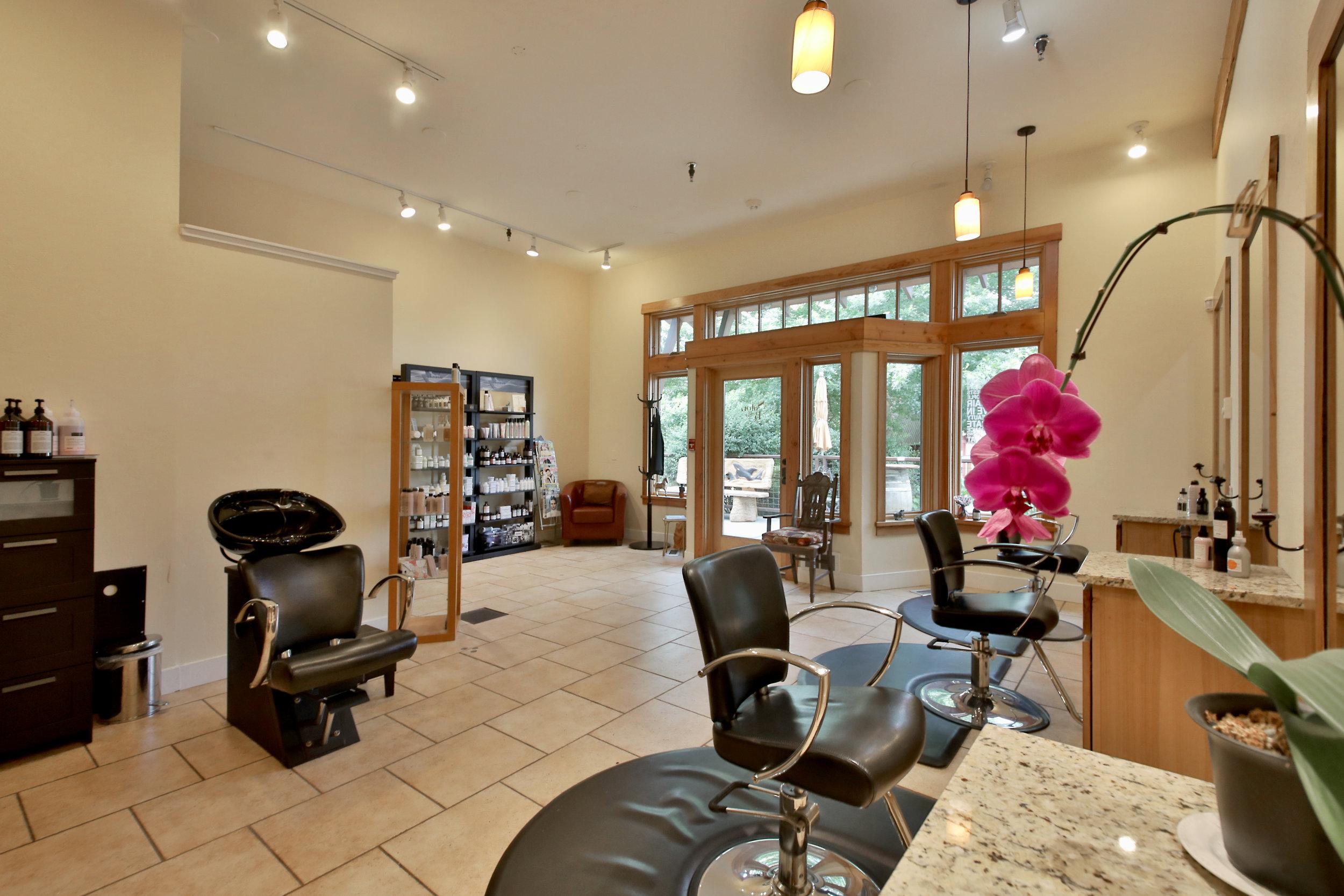 Salon Bella Interior