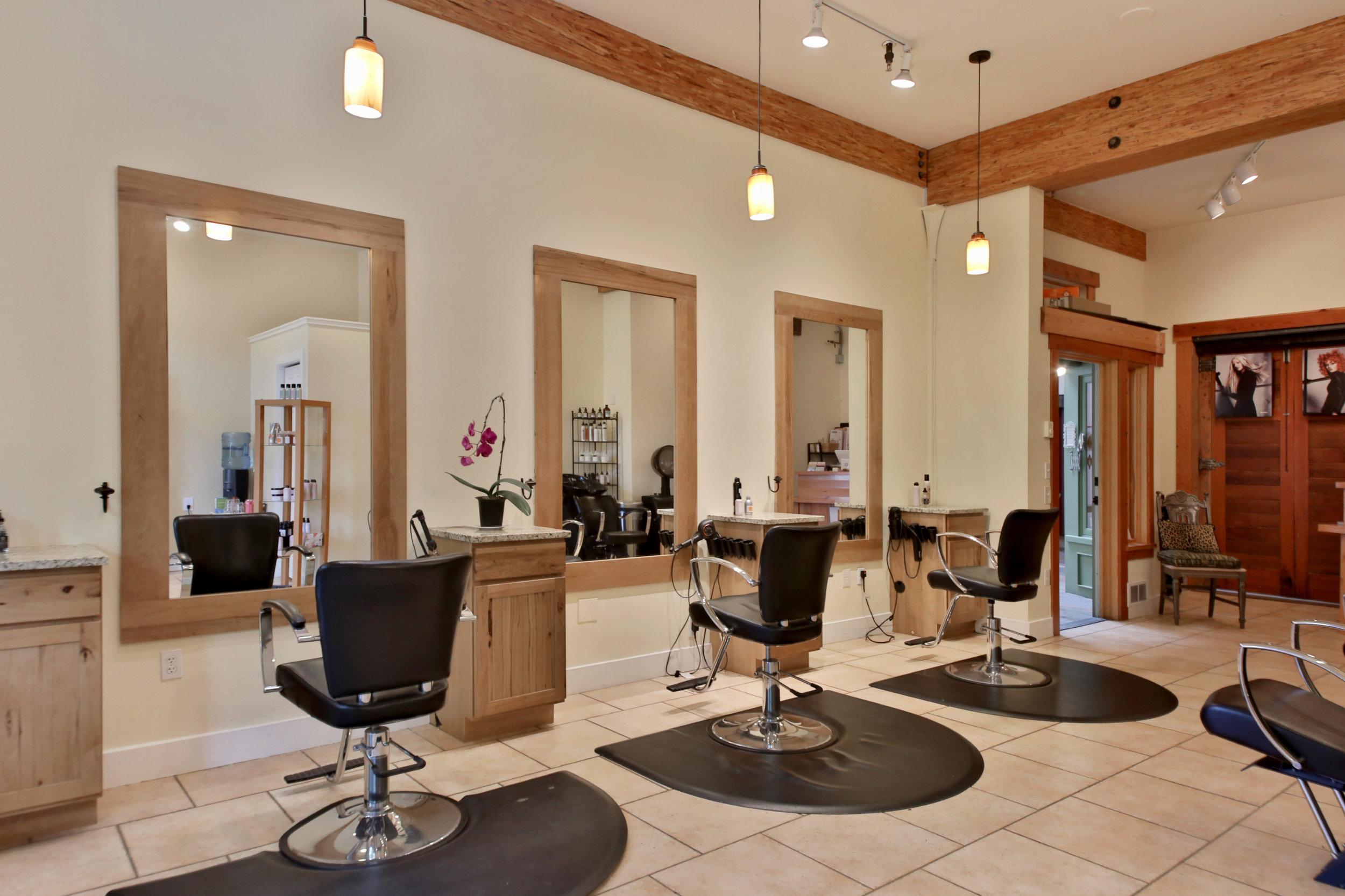 Salon Bella Stylist's Stations