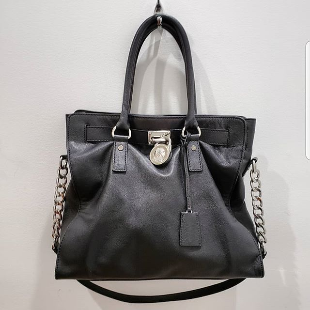 Michael Kors Black handbag Price $110  Stop by our store Monica' Consignment and Boutique, 10475 Medlock Bridge Rd, Johns Creek, GA 30097 Tuesday – Saturday | 10am – 6pm Sunday – Monday | Closed, Appt Only Call to ship (770) 623-0062  #atlantaconsignmentstores #johnscreek #alpharetta #consigndivajc #thrifting  #johnscreekboutique #thriftingatlanta  #consignment #consignmentatlanta #thriftyfinds #consignment #thriftingatlanta #thriftingdivas #resaleatlanta #michaelkors #purse #blackpurse #handbag #designerbags #blackpurse #atlantaboutiques