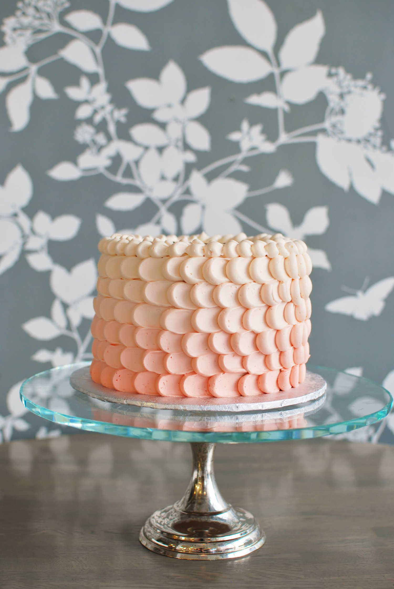 PEACH OMBRE WITH PETAL PIPING