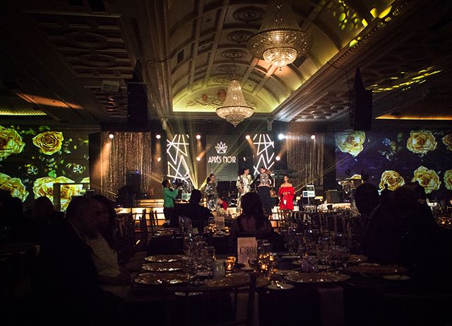 Last Thursday was the debut of the monthly supper club series Apres Noir. We've been supporting them with creative direction, production, and projection mapping! This month's show included Bobby Flay, Bob Saget, and Robin Thicke, as well as some beautiful performances by Arianna Bergamaschi, Dia, Mark Kingswood, and live artwork by Dan Mazzaone! What a night! Next up: Drake, Jessie Reyez, Mia Martina, Mikey Day and Giada de Laurentiis on June 7th! . . . . . . #toronto #agencylife #projectionmapping #highsnobiety #creativestudio #creativeagency #torontoentrepreneurs #yyz #vsco #vscocam #instagood #instadaily #way2ill #design #creative#fatalframes #agencylife #creativestudio #torontolife #torontomusic #robinthicke