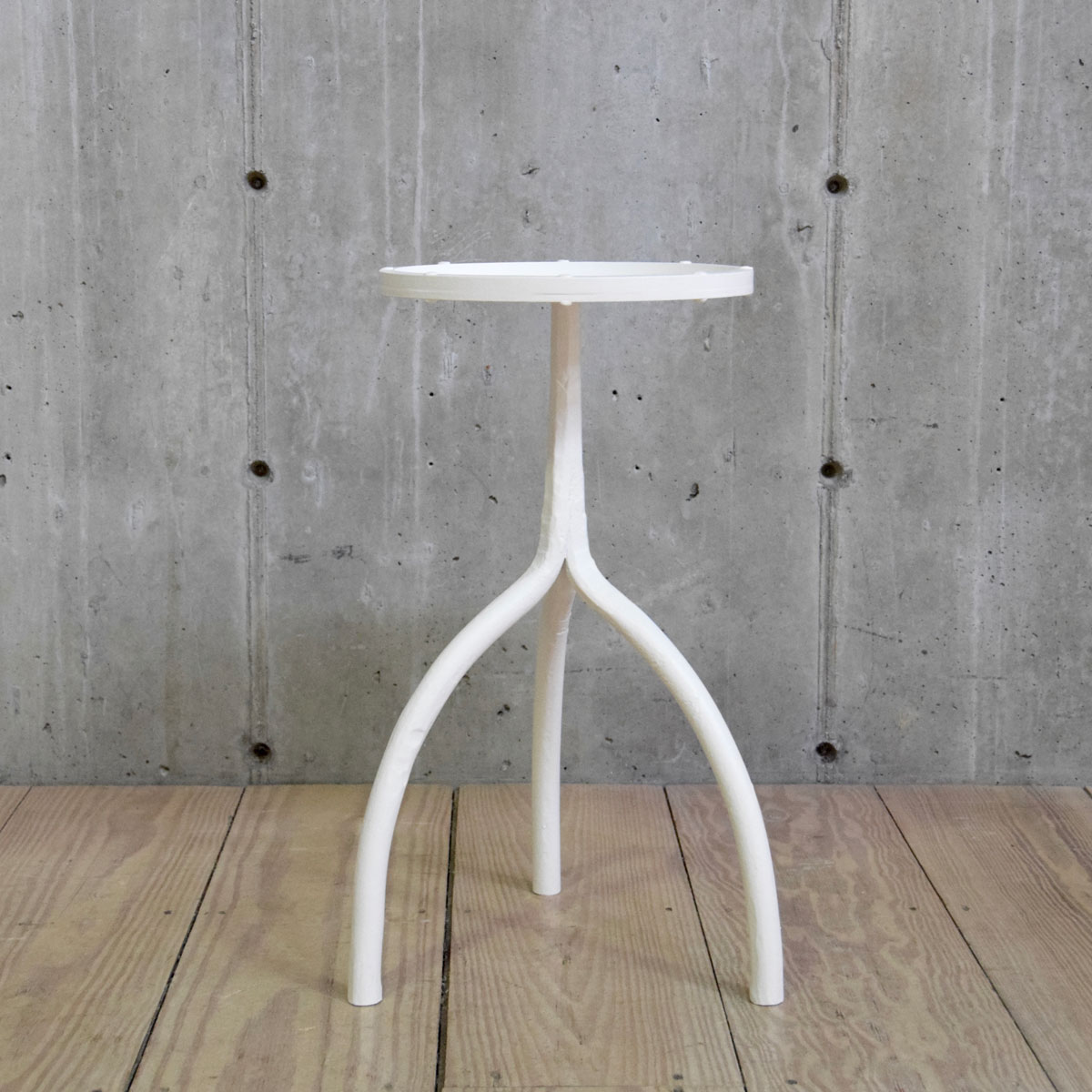 23″ Drink Table with Round Top and Gesso-White Painted Finish $800