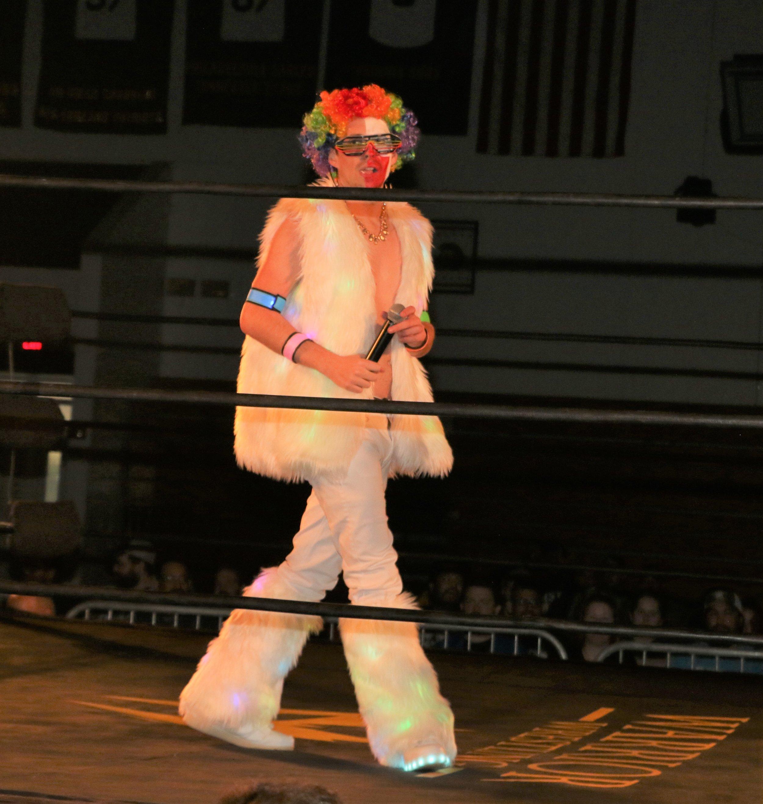 Frank the Clown before the Robert Anthony-Brian Pillman Jr. match.