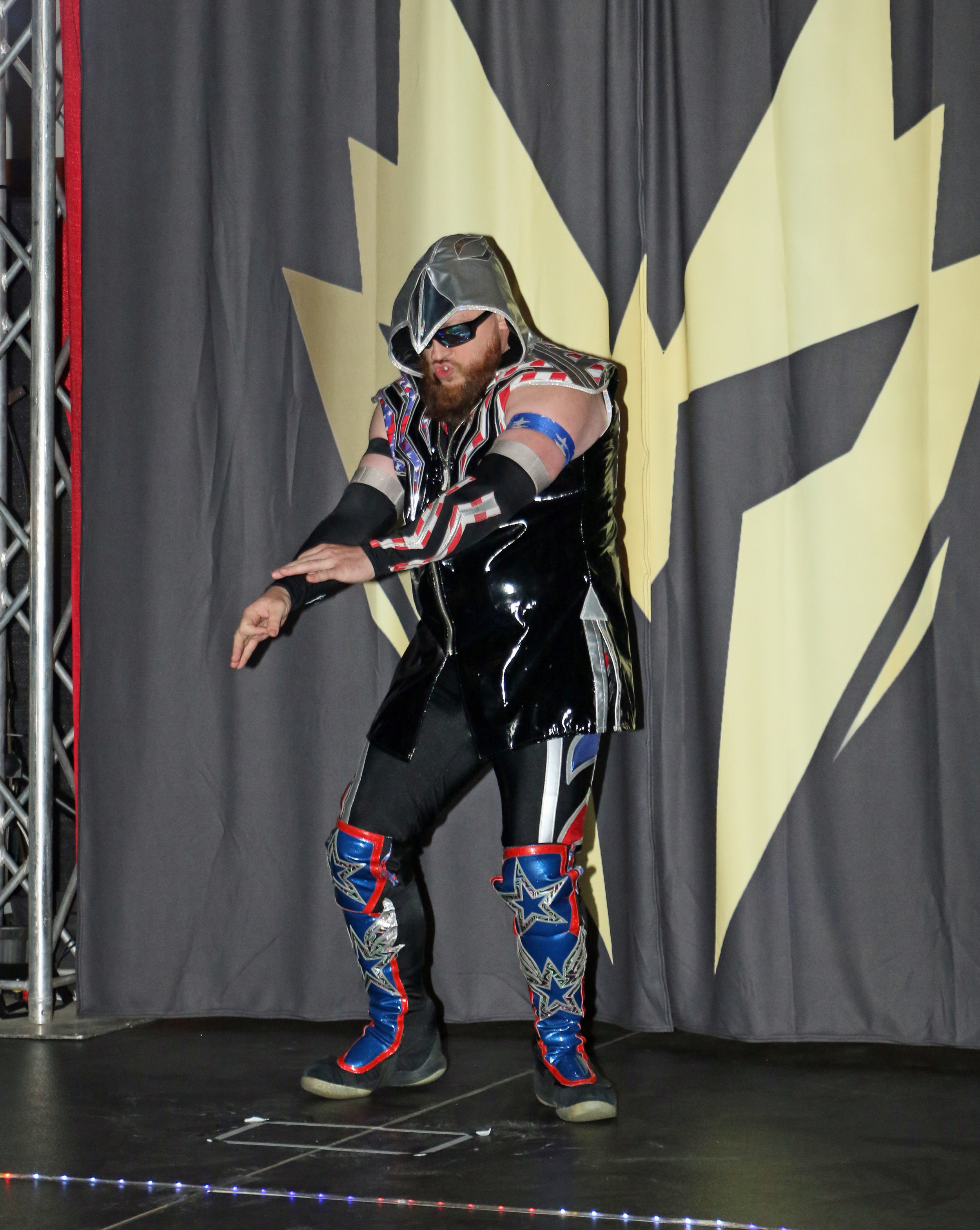 Chicago veteran Gringo Loco comes out for his match against Volador Jr.