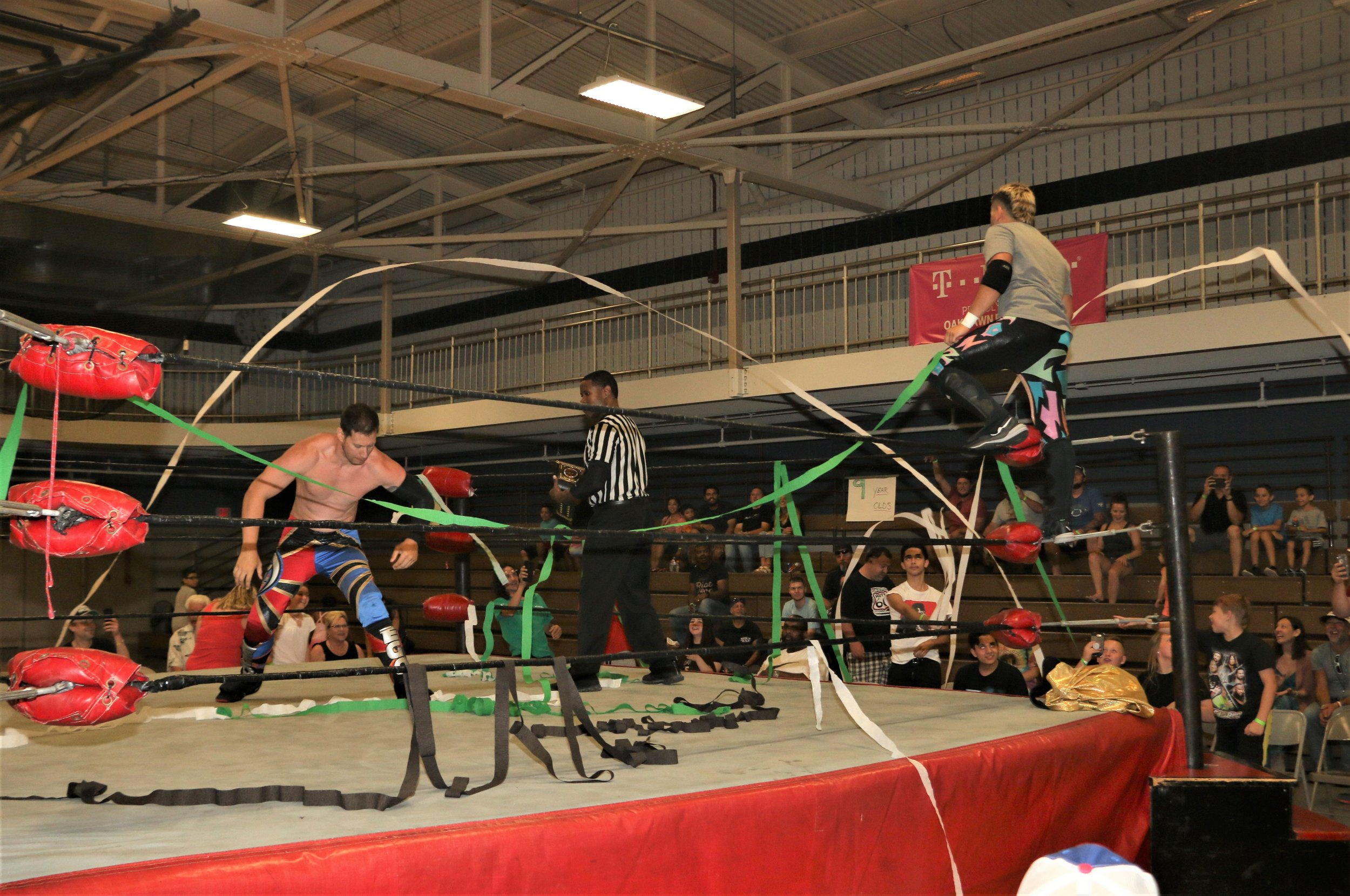 """The ring fills with streamers before the Robert """"Ego"""" Anthony-Joe Alonzo match."""