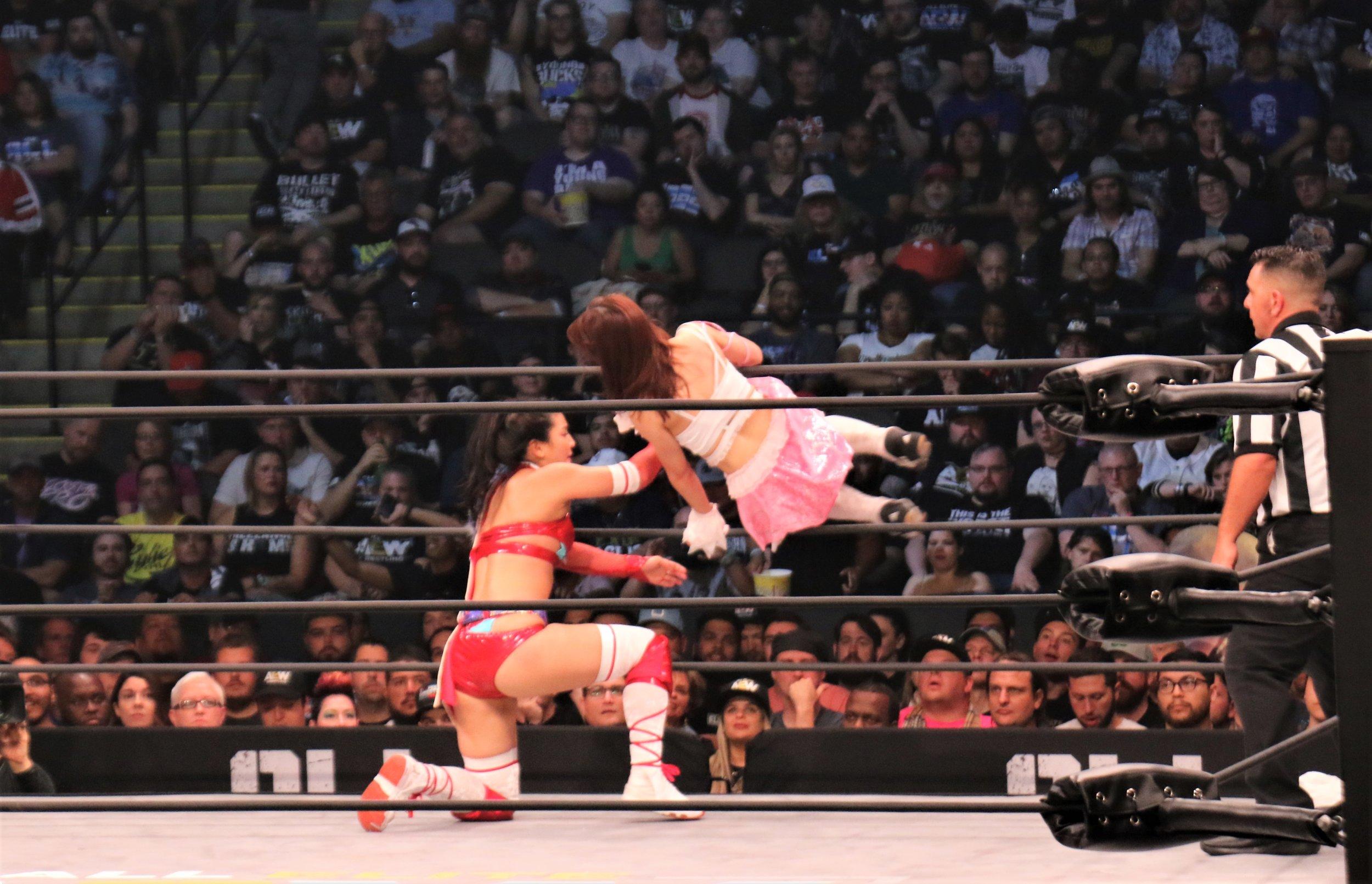 Riho hits the 619 on Hikaru Shida.