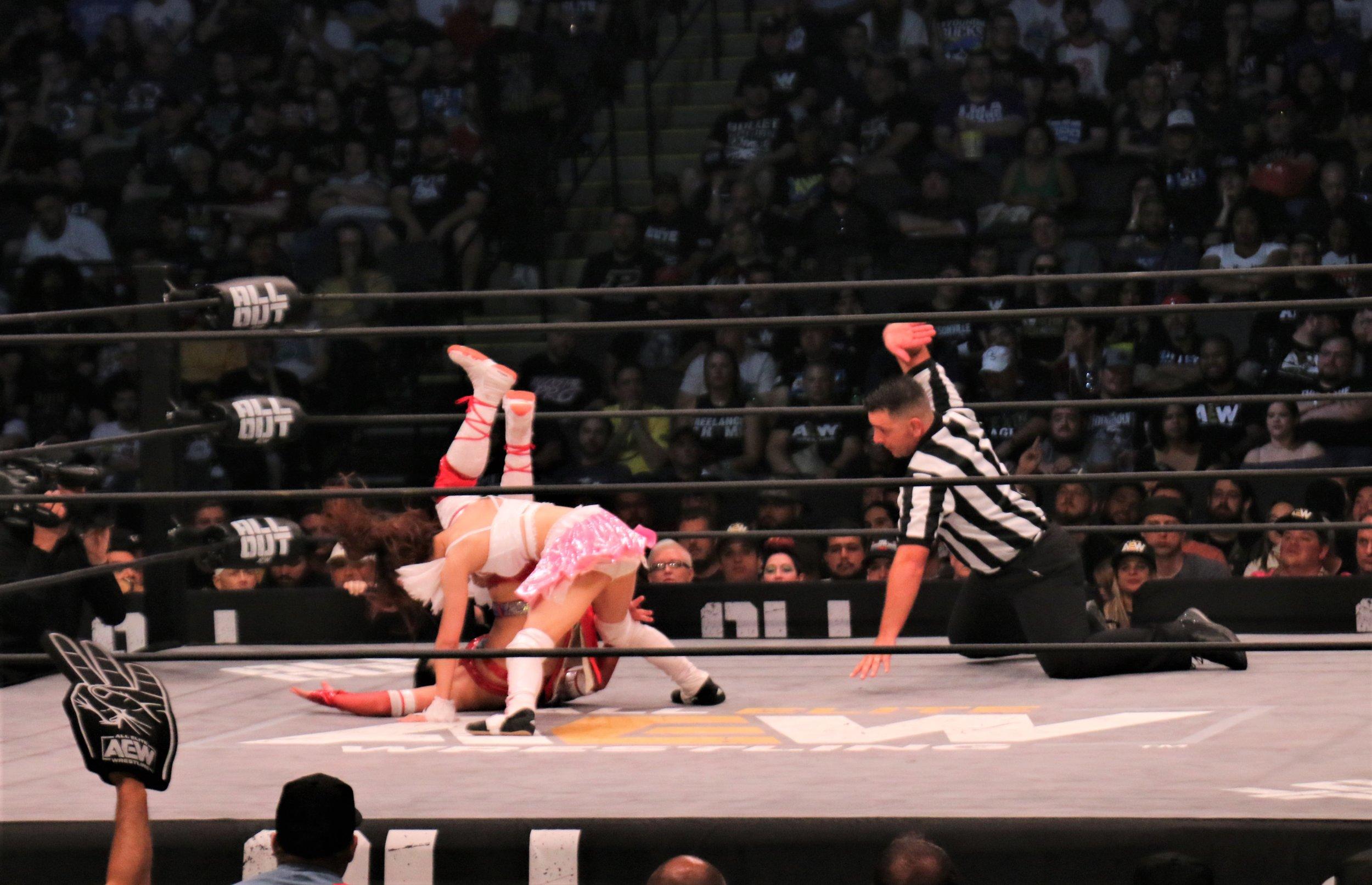 Riho rolls up Hikaru Shida for pin attempt.