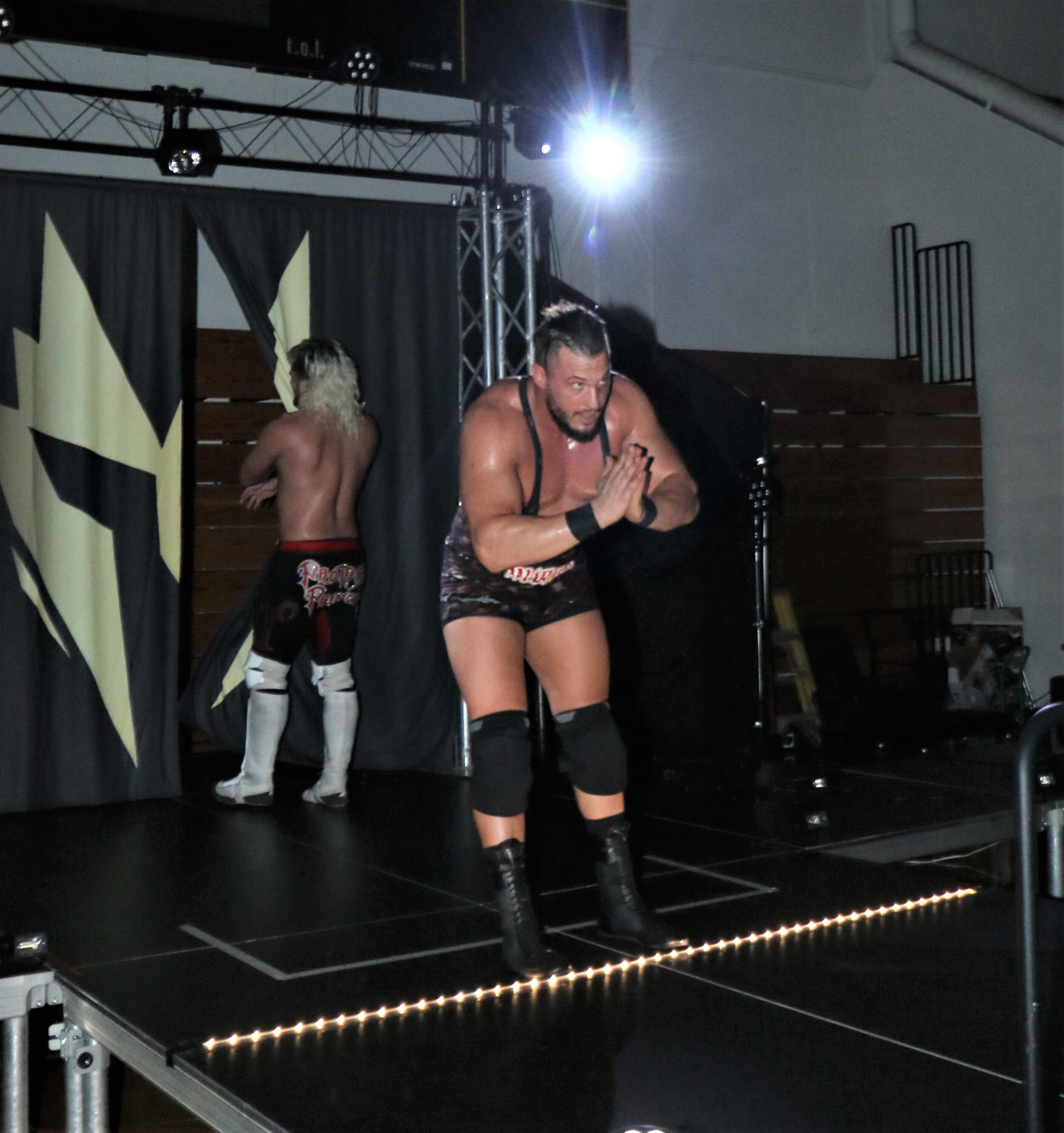 Wardlow takes a bow for the Warrior Wrestling crowd. He recently signed with AEW.