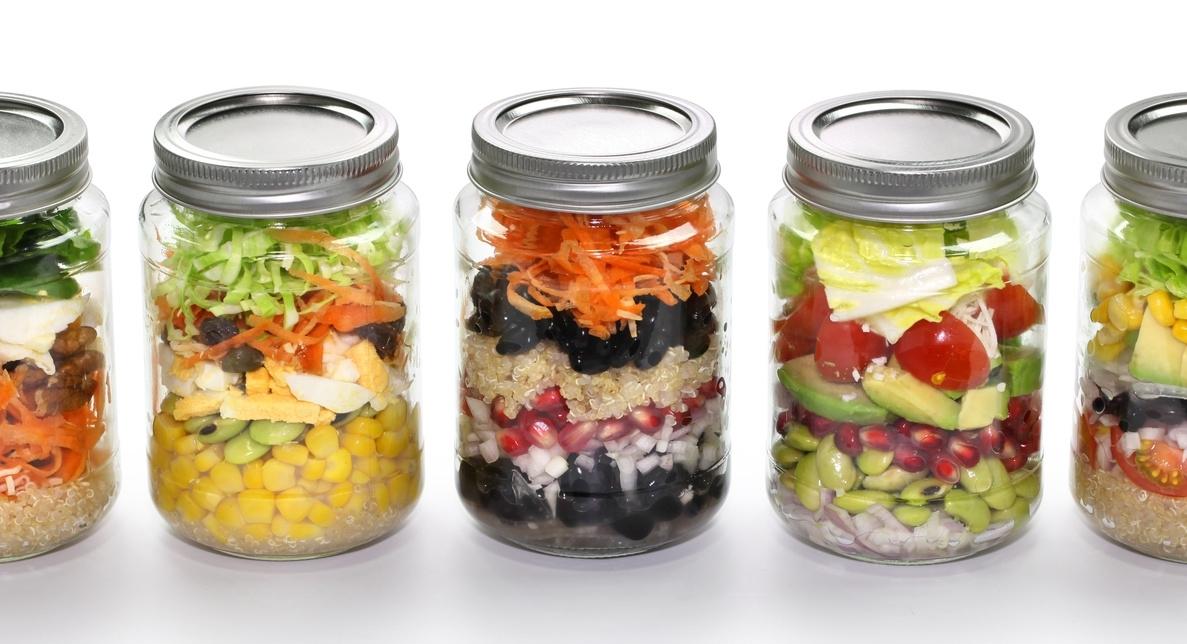 snacks-in-mason-jars.jpg