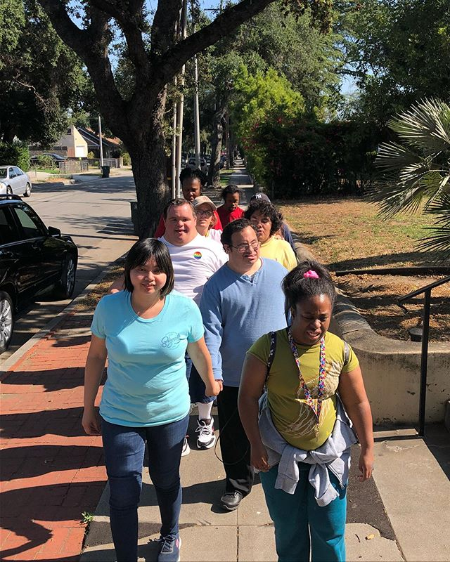 Community walk! #pasadena #beautifulday #communitywalk #friends #clubASPIRE #pasadena