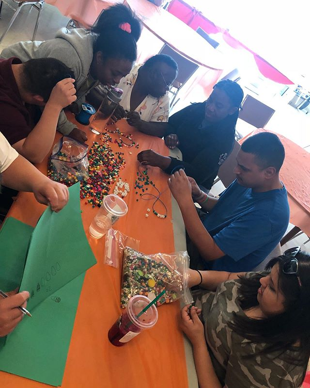 Making bead bracelets and necklaces! #beads #fun #friends #clubASPIRE #PASADENA