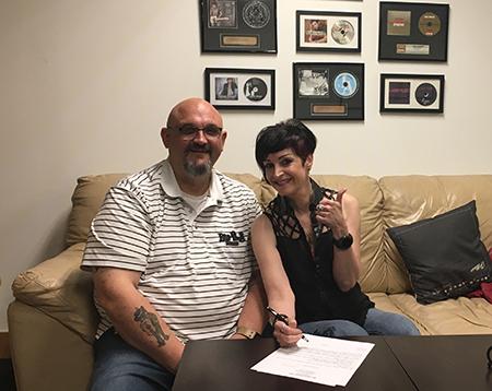 Re Mattei BarFrog Signing Photo