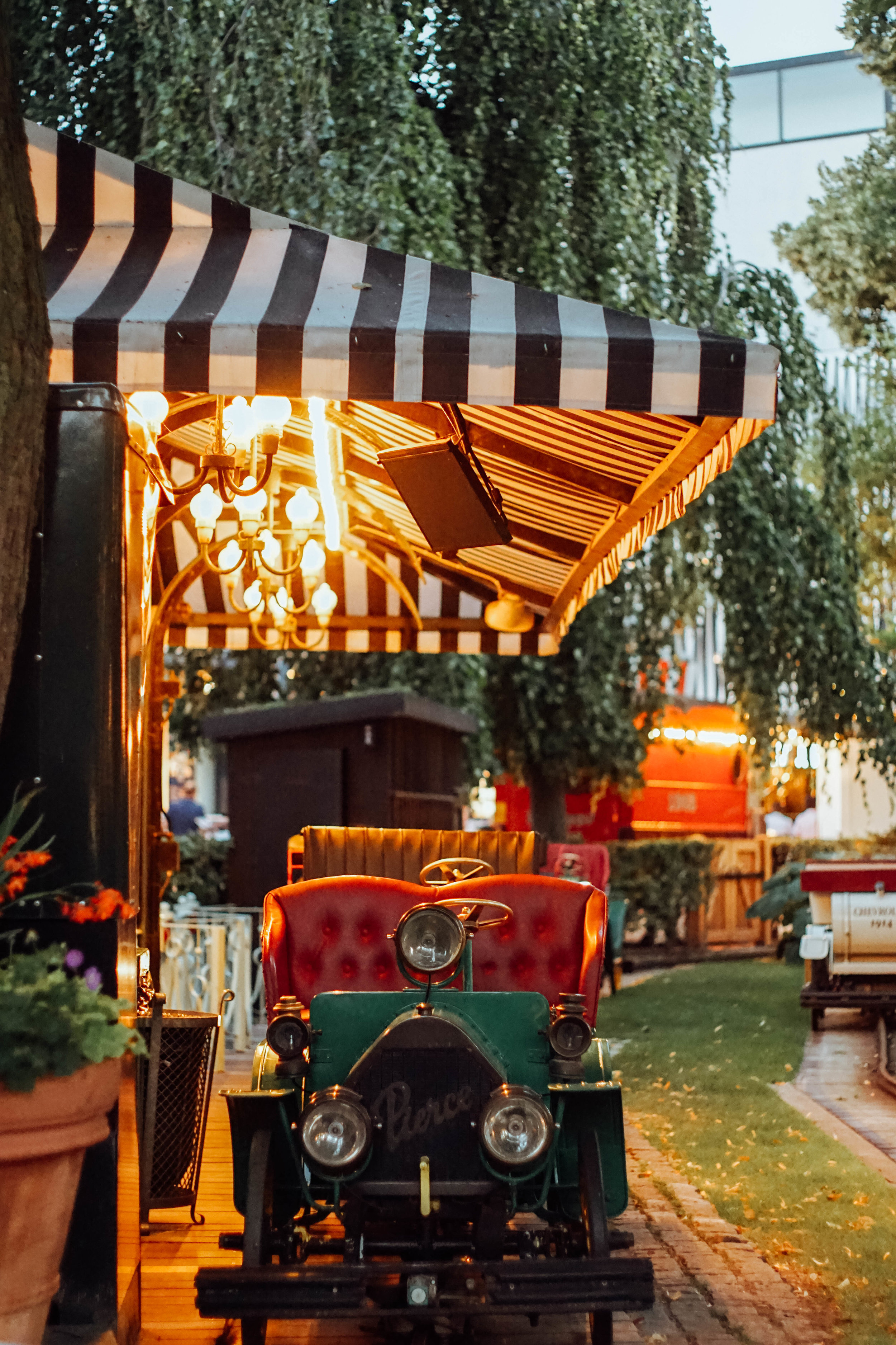 A shot of the Vintage Car ride at Tivoli. An old favourite!