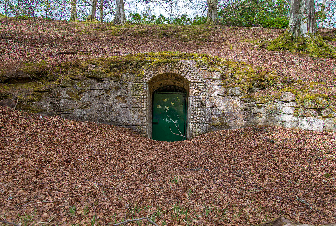 Hurley Cave and Ponds (1740-1748)