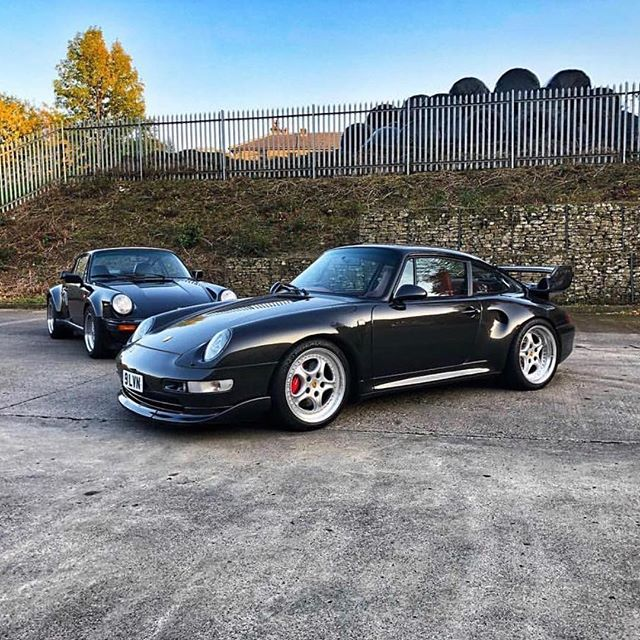 Turbo madness. 930 Turbo or 993 Turbo? #hardchoice . . . 📸 @david_moran_83 #Porsche911 #911 #964 #993 #930 #996 #930turbo #порше #ポルシェ #カレラ #保時捷 #aircooledporsche #porschelife #carsandcoffee #classic911 #porschefans #porschecars #porschepix #porscheclub #classicporsche #porschelove #aircooled #993turbo #vintagecar #porschecarrera #porsche70years #drivevintage #rwb #luftgekühlt —————————————— Check our friends accounts: @porsche.universe  @acespider_photography  @samizdatbe  @espressoproject.be