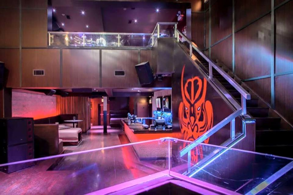 Happys Bamboo Bar & Lounge