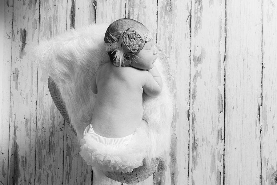 lakeville-newborn-photographer.jpg