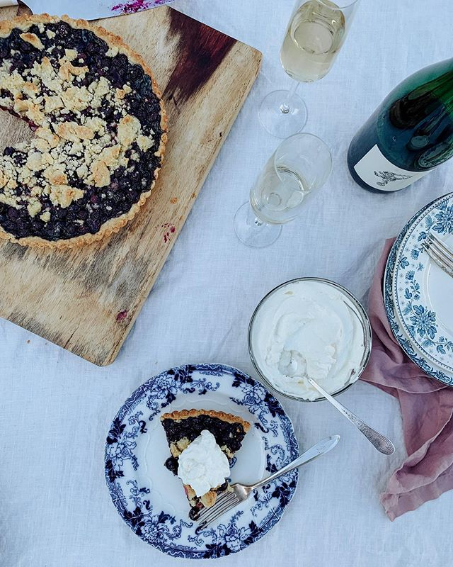 This blueberry tart and sparkling wine for dinner because life is short, carpe diem, YOLO, etc. (also this Picpoul from @forlornhopewines is niiiiice)