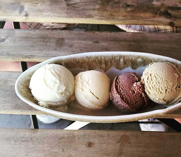 Four perfect scoops to start your Friday off right! Come by @lalecheria for a flight. . . . . . . . #lalecheria #flight #friday #goodeats #tastytreats #shopsmall #icecream #crafticecream #specialtyflavors #localingredients #howtosantafe #simplysantafe #santafefound #santafefoodies #spring #summer #celebrate #weekend #enjoy #eat #chocolate #vanilla #greenchile