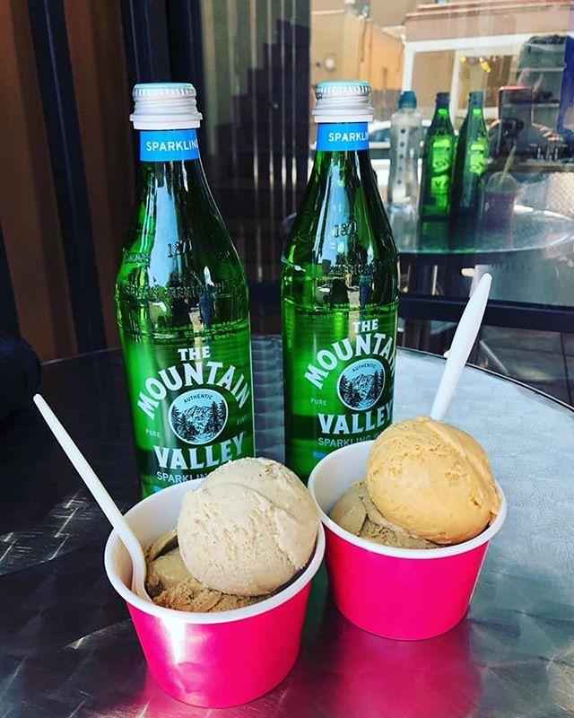 Make the most out of these last few summer Sundays with some ice cream. . . . . . . . . . #lalecheria #icecream #summer #sunday #enjoy #sweet #treat #treatyourself #family #familytime #crafticecream #coffee #chocolate #peanutbutter #vanilla #specialtyicecream #santafefound #simplysantafe #downtownsantafe #santafefoodies #newmexicotrue #newmexicanfood