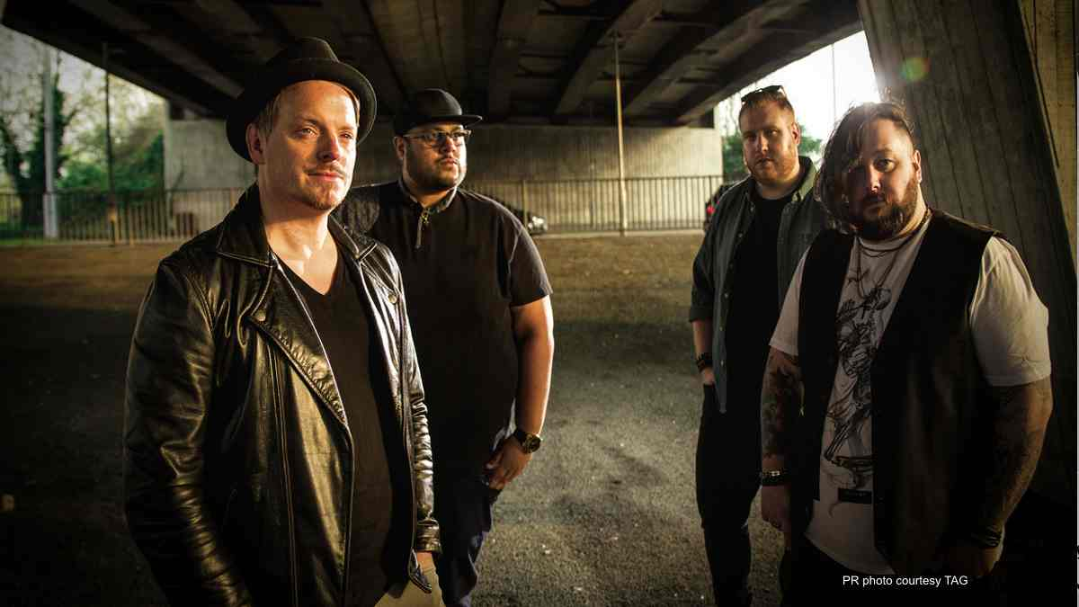 LonelyDakota Band.jpg