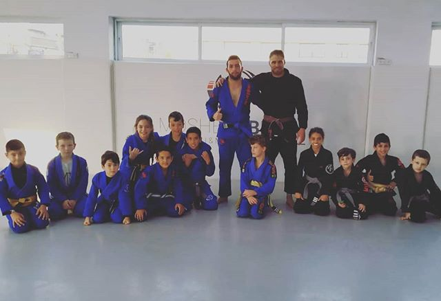 Teaching kids is so hard but also the most rewarding job. BJJ seminar with the future of Israel 💪 🤡  #bjj #jiujitsu #bjjkids #couch #kids #mma #selfconfidence #gym #jits #kidsstyle #bjjmotivation