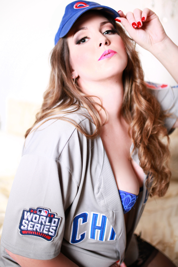 Chicago-Pinup-Boudoir-Photography-Near-me-Baseball-Chicago-Cubs-Girl