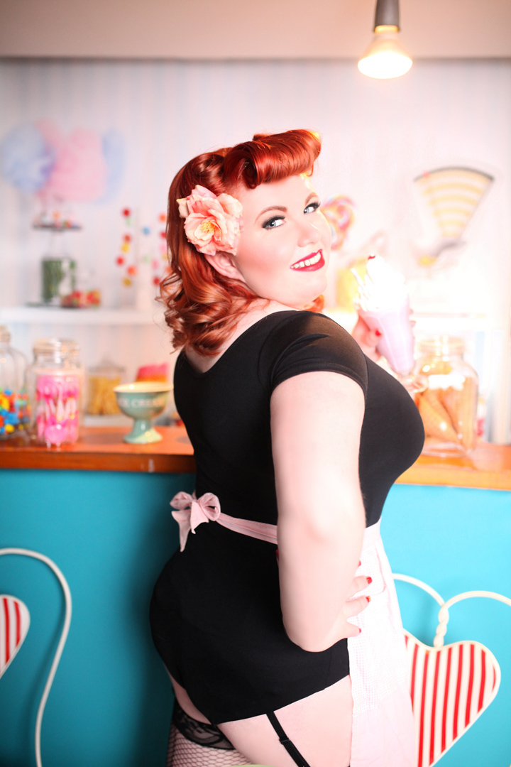 Chicago-Pinup-Photographer-The-Ice-Cream-Girl