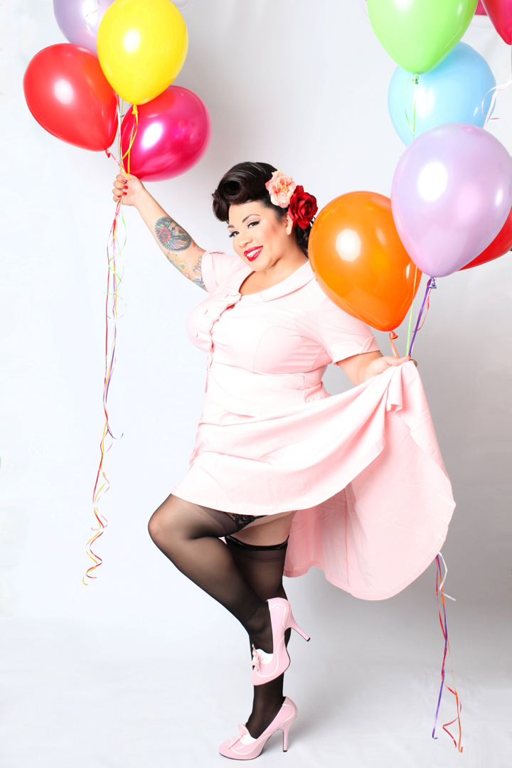 Chicago-Pinup-Photographer-Balloons