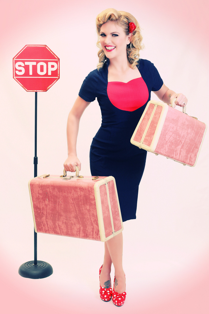 Chicago-Pinup-Photographer-Traveling-Suitcases