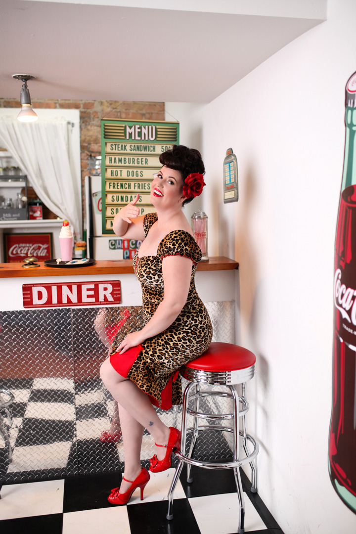 Chicago-Pinup-Photographer-Leopard-Print-Diner