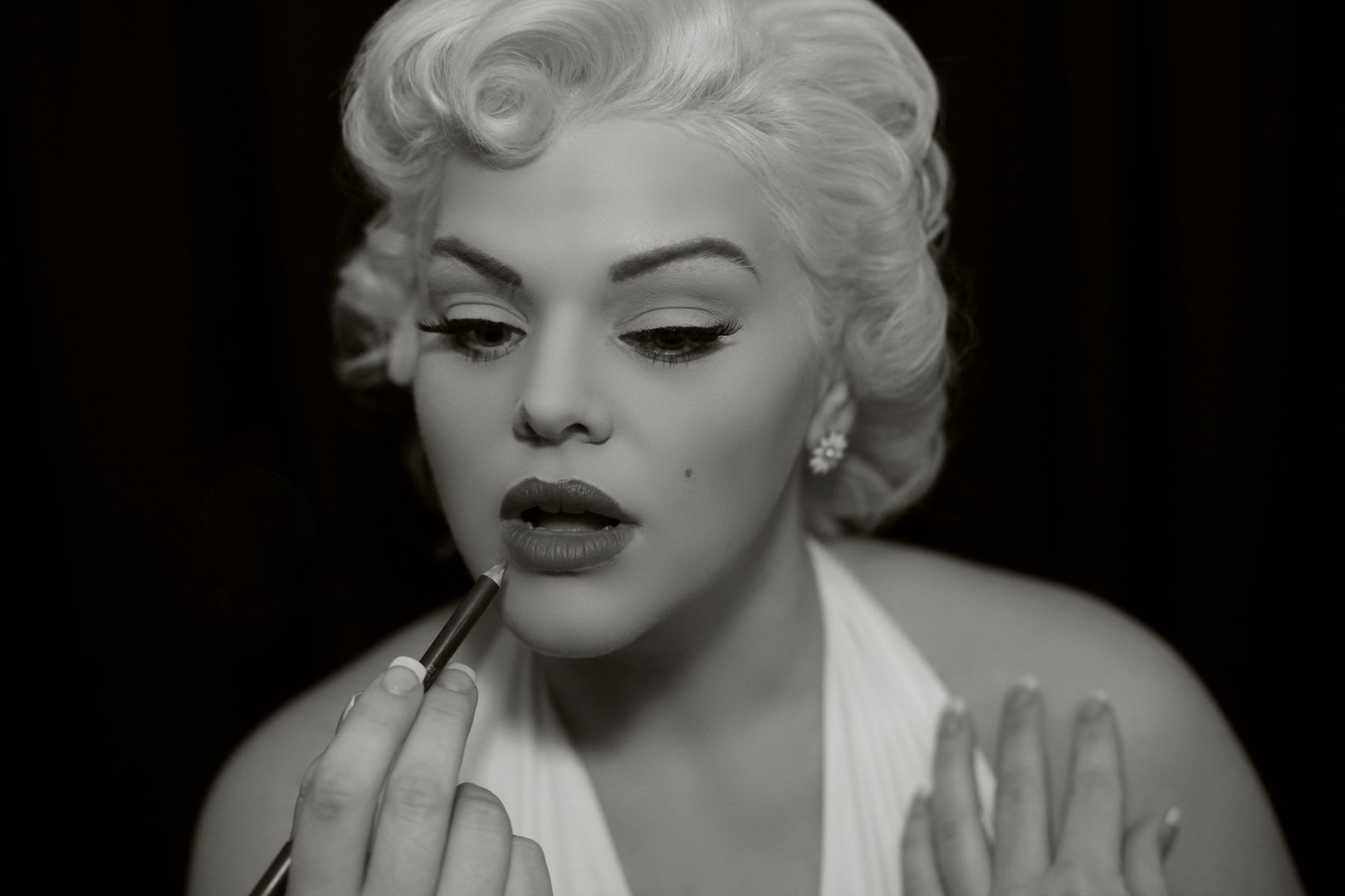 Chicago-Pinup-Photographer-Make-Up-Marilyn