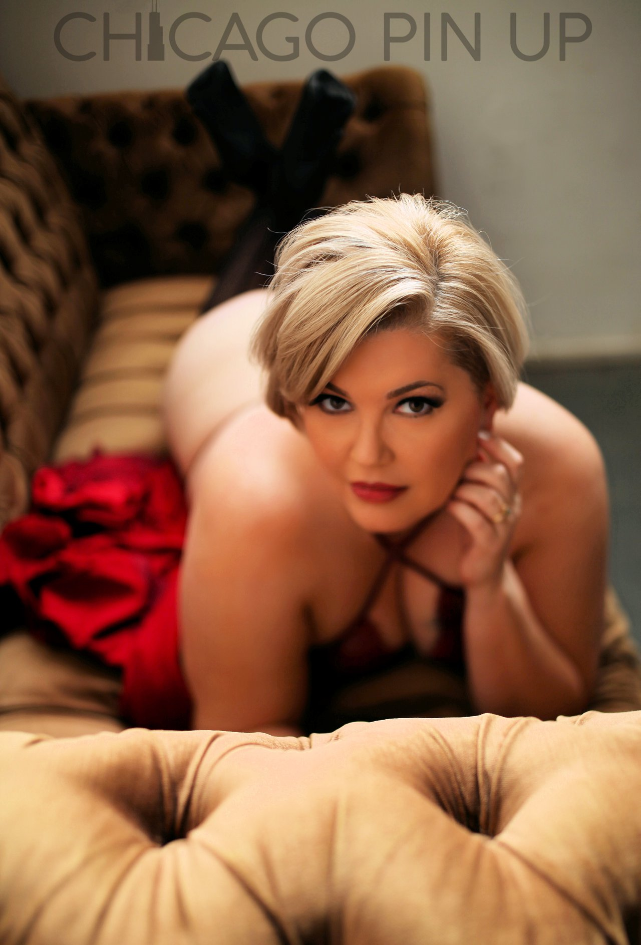Gorgeous-Boudoir-Session-with-Chicago-Pinup-Boudoir-Studios.jpg