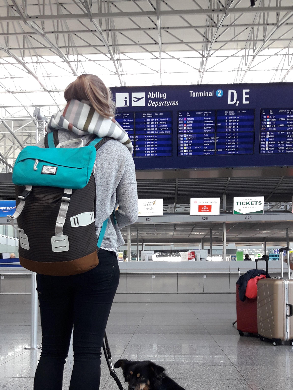 Rucksack Handgepäck Flughafen