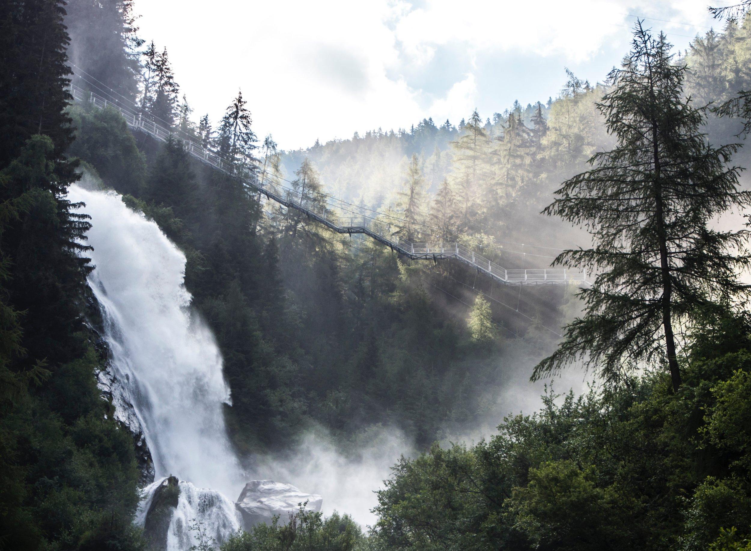 Stuibenfall Wasserfall, Ötztal, Bäume, berge.jpg