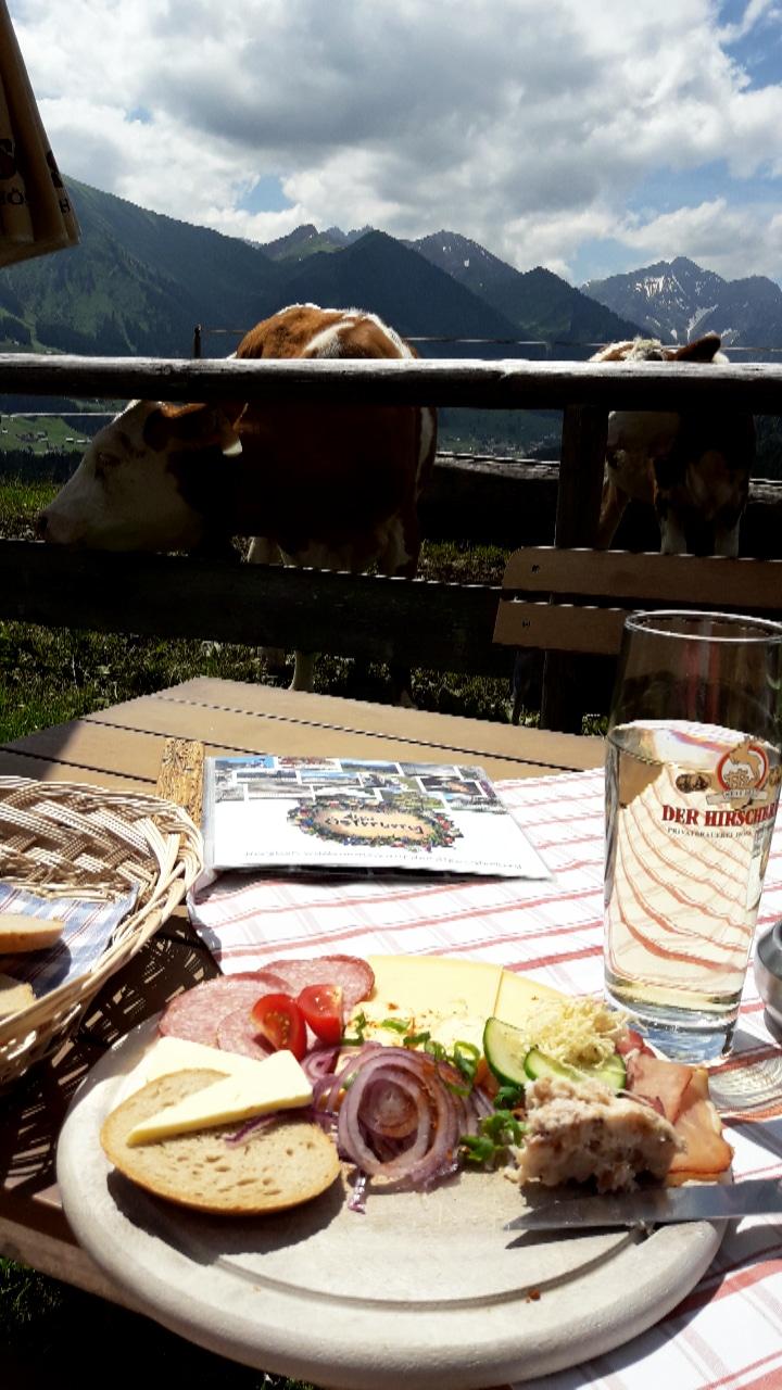 Brotzeit Alpe Osterberg.jpg