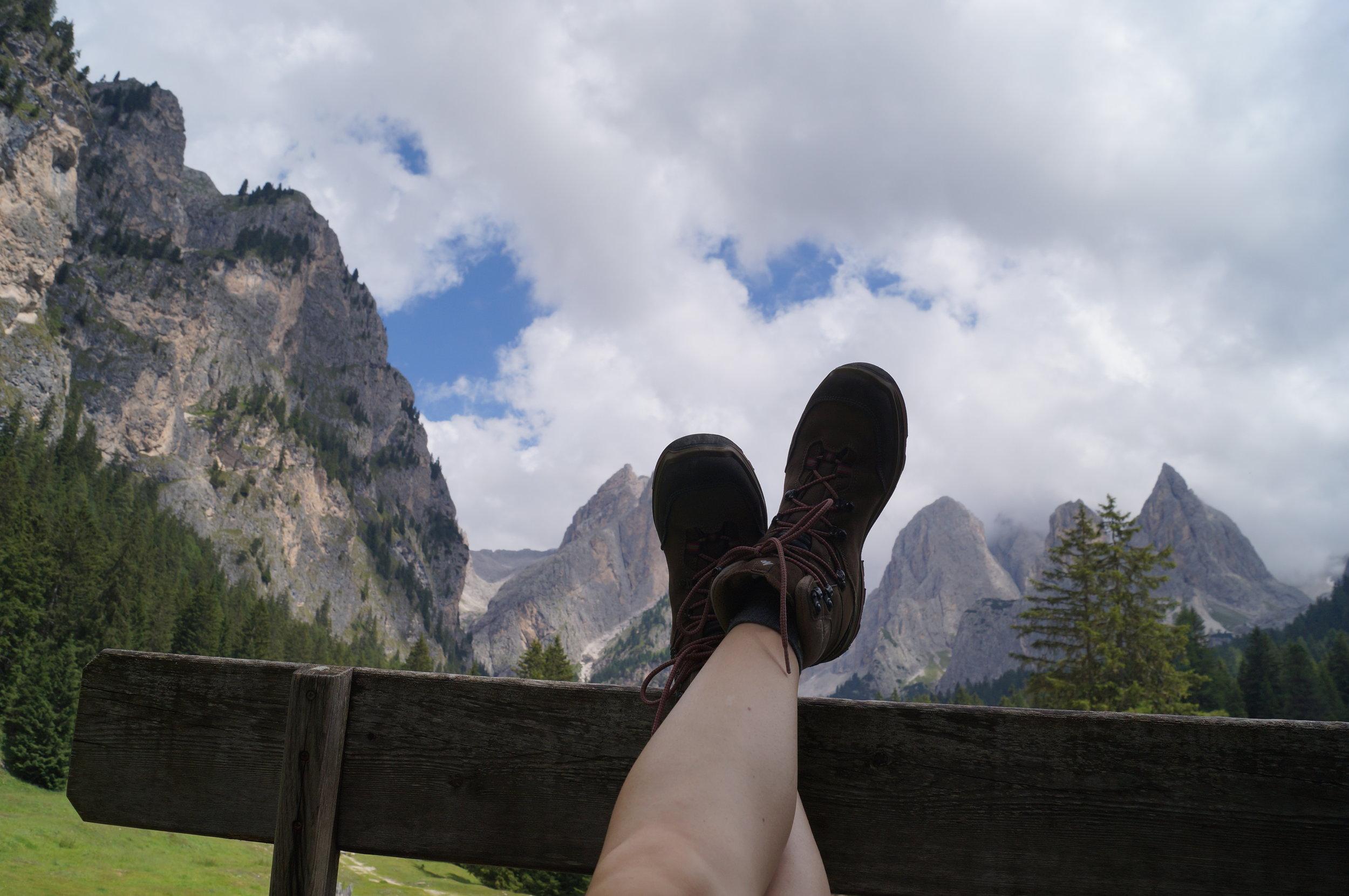 Dolomiten-Berge-Wanderschuhe.JPG