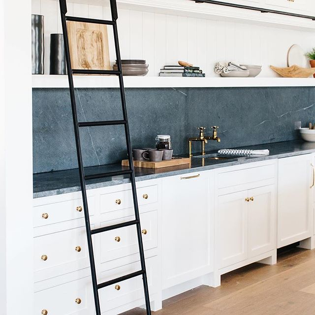 Beautiful cabinet inspiration for this chilly Monday by @gatherprojects! And how about that ladder 🙌 . . . #monday #customcabinets #creativity #yyc #smithrenovationsyyc #reno #homerenovation #calgaryhome #yychomes  #yycrenovations #yycbuilder #customhomes #customrenovations #designbuild #yycliving #dailyhivecalgary #yycliving #yycdesign #yyccontractor  #expert #customizedsolutions