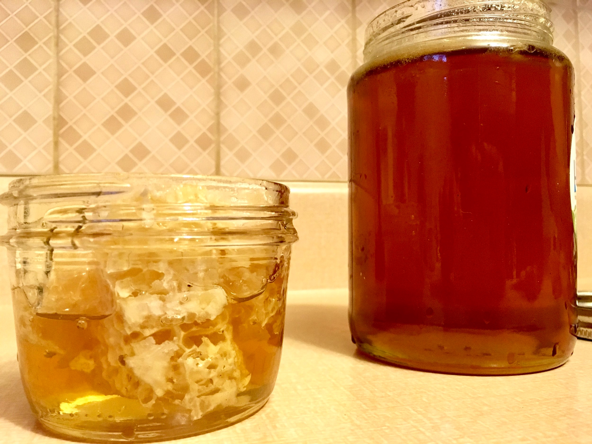 Save the bees! HAWAIN HONEY + comb (LEFT) & CANADIAN local HONEY (RIGHT)