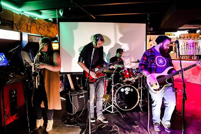 Last Friday was completely amazing a Beautiful! Huge thank you to @pinballjones_2 for letting us play loud. And a huge thank you to @glasscasesband and @weareboisdarc for being the coolest group of people ever and for the party! . . PHOTO 📷 BY @_lindseykaye