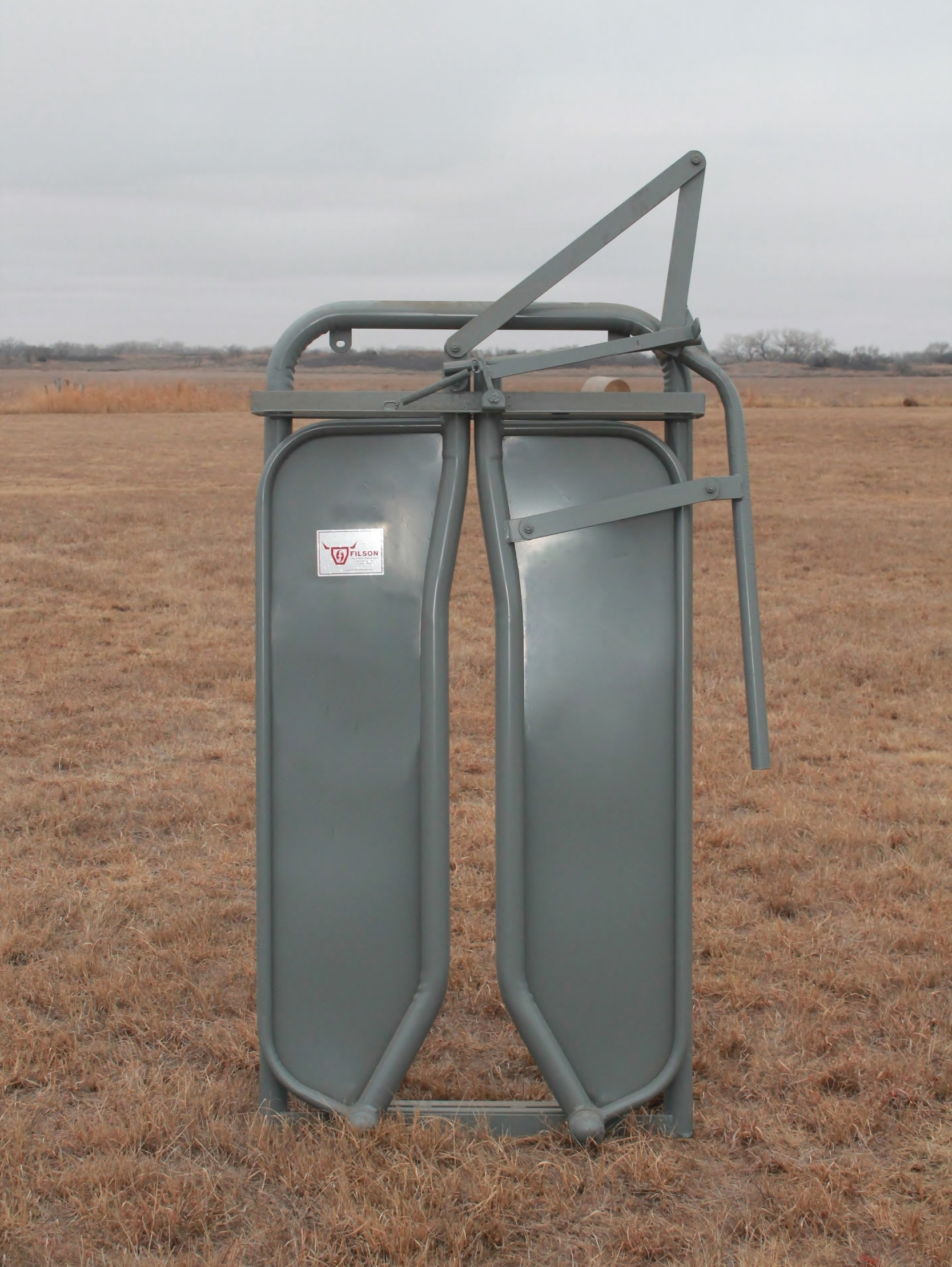 "- This stanchion type head gate can be mounted to any Filson Chute - in place of the Automatic Head Gate. This head gate is ideal for horned cattle. Weight: 220 lbs. | Dimensions: 3'3""W x 6'6""H"