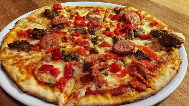 The Christopher Pizza... 12 Inch Thin Crust, Crumbled Meat Ball, Italian Sausage, Red Peppers, & Banana Peppers  Come In & Try A Slice Of This Beauty 🍕  #jumpintofresh #🍕 #saltorestaurant . . . . . . . . #foodie #foodporn #foodtoronto #foodpornto #blogto #thincrustpizza #picoftheday #fresh #pizza #toronto #torontorestaurants #torontoitalian #amazing #torontopizza #manvsfood #foodgasm #nom #nomnom #hungry #pizzalover #chefmode #toreats #torontofoodie #italian #thesix