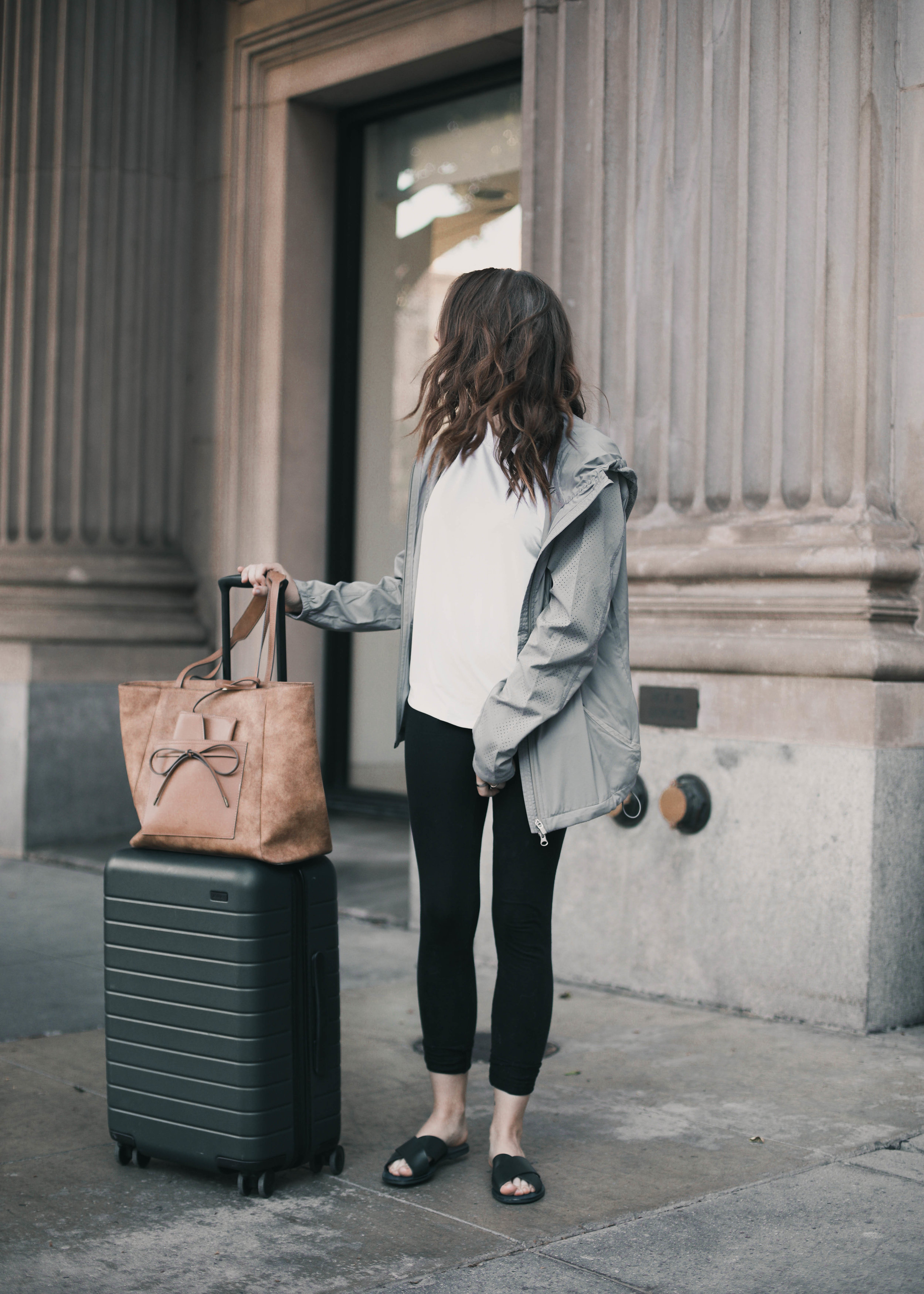 a great carry on - I've definitely found that the power in having a great carry on is beyond important! My requirements for a great carry on are that it can hold all my electronics and goodies I want for the plane and that it can be easily carried either by me or sitting on top of my suitcase. I'm obsessed with this one from Elle Jae Gypset. One of my favorite features is the envelope pocket in the front.It's great for keeping small things (ID, credit card, memory card) that you want to access quickly and keep safe! And bonus! It's made with all vegan leather! Yay!Get your Elle Jae Gypset bag here!