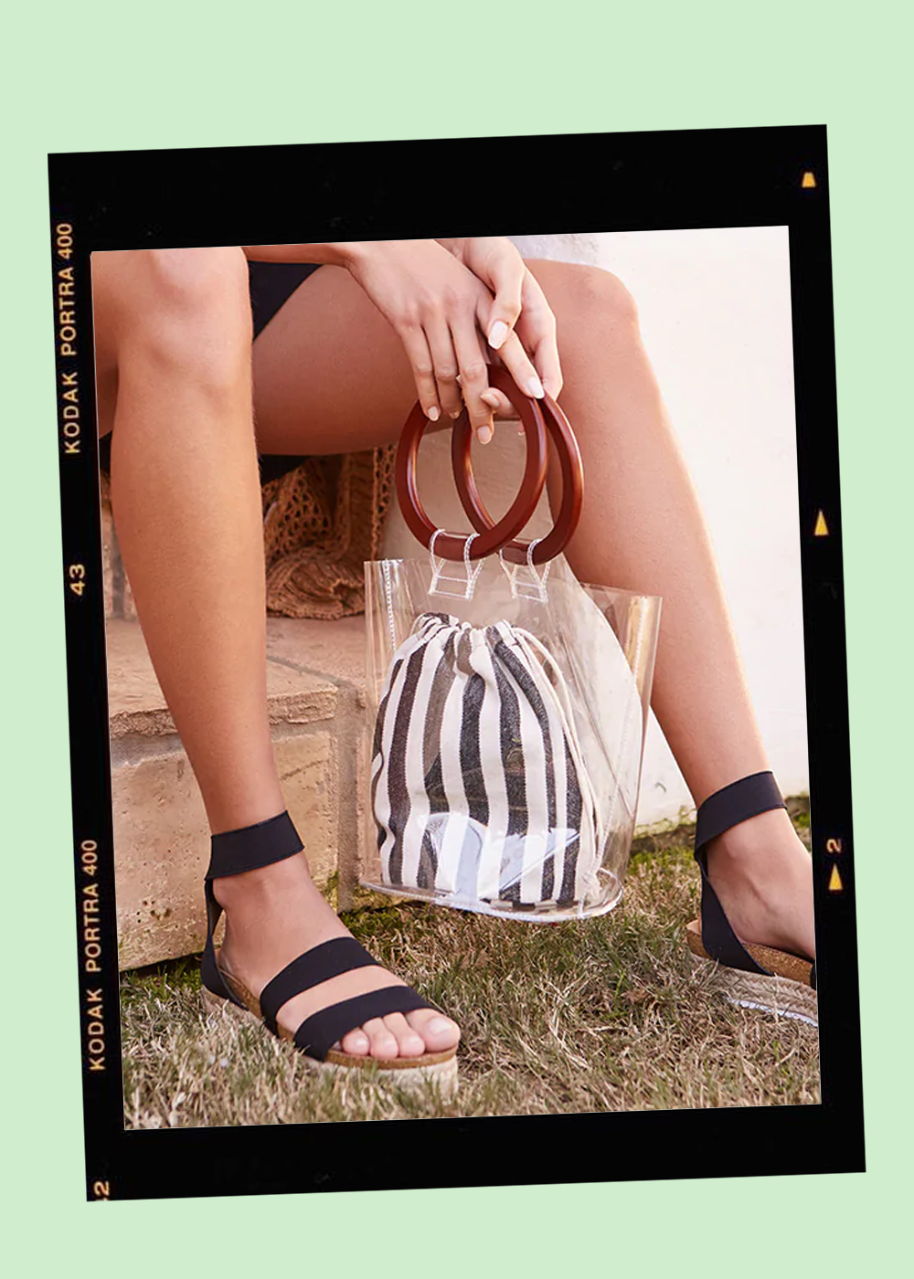008. - Clear Bucket Tote // $25Forever 21