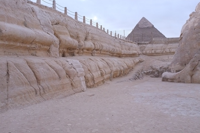 Rainwater erosion on the walls of the Sphinx Enclosure