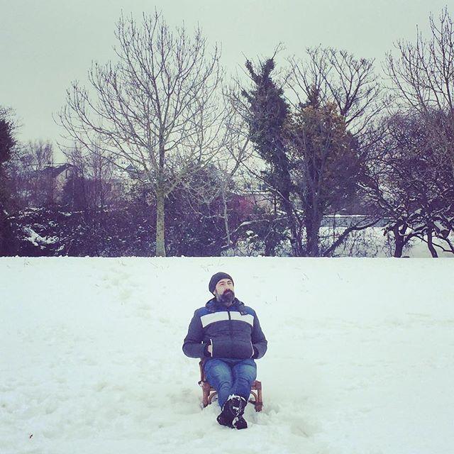 #snowsitting