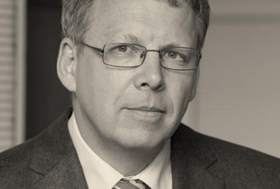 DR. BERNHARD WEISSER.jpg